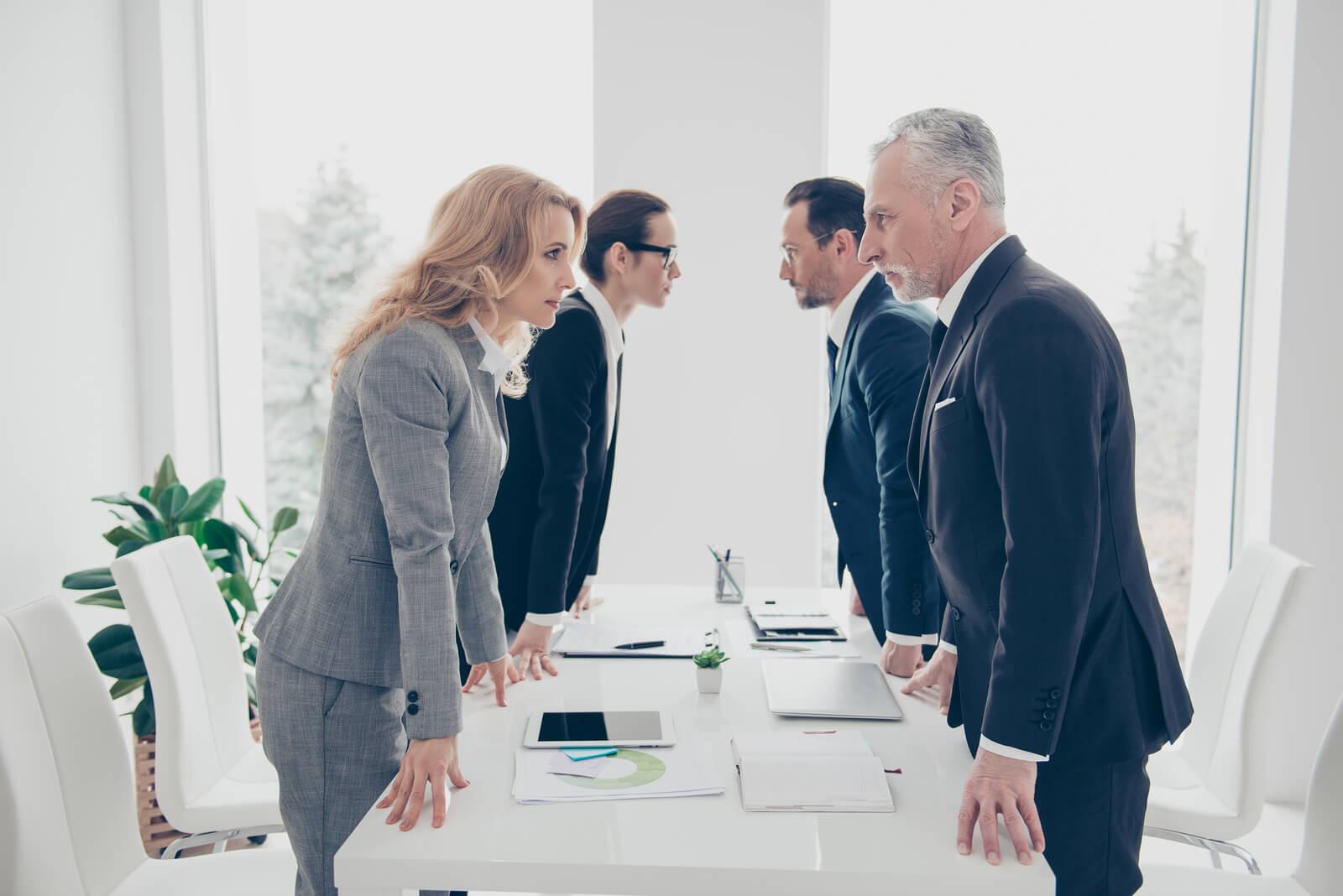 Tipos de conflictos: 5 tipos de conflictos laborales en una empresa