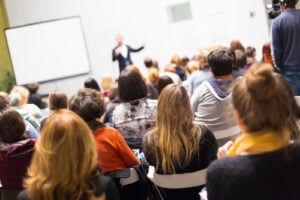 Aprende las estrategias de comunicación para hablar en público