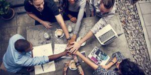 Descubra os grandes benefícios da assessoria entre colegas