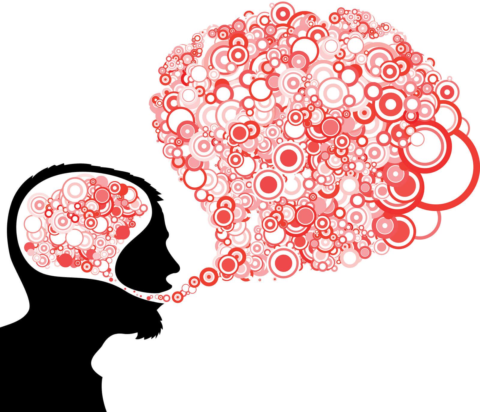 """""""Si buscas resultados distintos, no hagas siempre lo mismo"""", dijo Albert Einstein. Esta es la base del pensamiento divergente y la razón de que algunos empresarios sean calificados como visionarios. Pero la clave de su éxito no radica en que posean un gen 'mágico', sino en que han sido capaces de ver nuevos enfoques hasta entonces inexistentes. ¿Qué es el pensamiento divergente? El concepto de pensamiento divergente se lo debemos al psicólogo Joy Paul Guilford, para quien existían dos formas de realizar procesos mentales: uno racional o vertical, que sigue una secuencia preestablecida; y otro creativo o lateral, que combina diferentes perspectivas a un mismo problema y establece nuevas relaciones entre ideas. Su teoría fue desarrollada posteriormente por Edward de Bono, autor de The Use of Lateral Thinking, que describió lo que él llamo pensamiento lateral como un razonamiento libre, asociativo y multifocal. """"El pensamiento lateral está íntimamente relacionado con los procesos mentales de la perspicacia, la creatividad y el ingenio"""", asegura el autor. Como apunta Walter Riso, en El poder del pensamiento flexible, el pensamiento divergente """"supone la capacidad de cambiar de perspectiva sin entrar en pánico y generar una buena cantidad de nociones e impresiones, siendo original y práctico a la hora de elegirlas y conectarlas"""". Pensamiento divergente y convergente Para los expertos, el pensamiento divergente no es un sustituto del pensamiento convergente, sino que deben complementarse. Así, mientras la lógica nos ayuda a establecer acuerdos basados en la razón, el lateral nos invita a jugar con las ideas y crear nuevos esquemas. El problema radica en que, durante años, se ha potenciado el razonamiento lógico frente al creativo, limitando la capacidad de innovación de los profesionales. De hecho, según los datos de BSmart Foundation, el 98% de los niños de entre 3 y 5 años aplican el pensamiento divergente, un porcentaje que va disminuyendo conforme avanza la edad, hast"""
