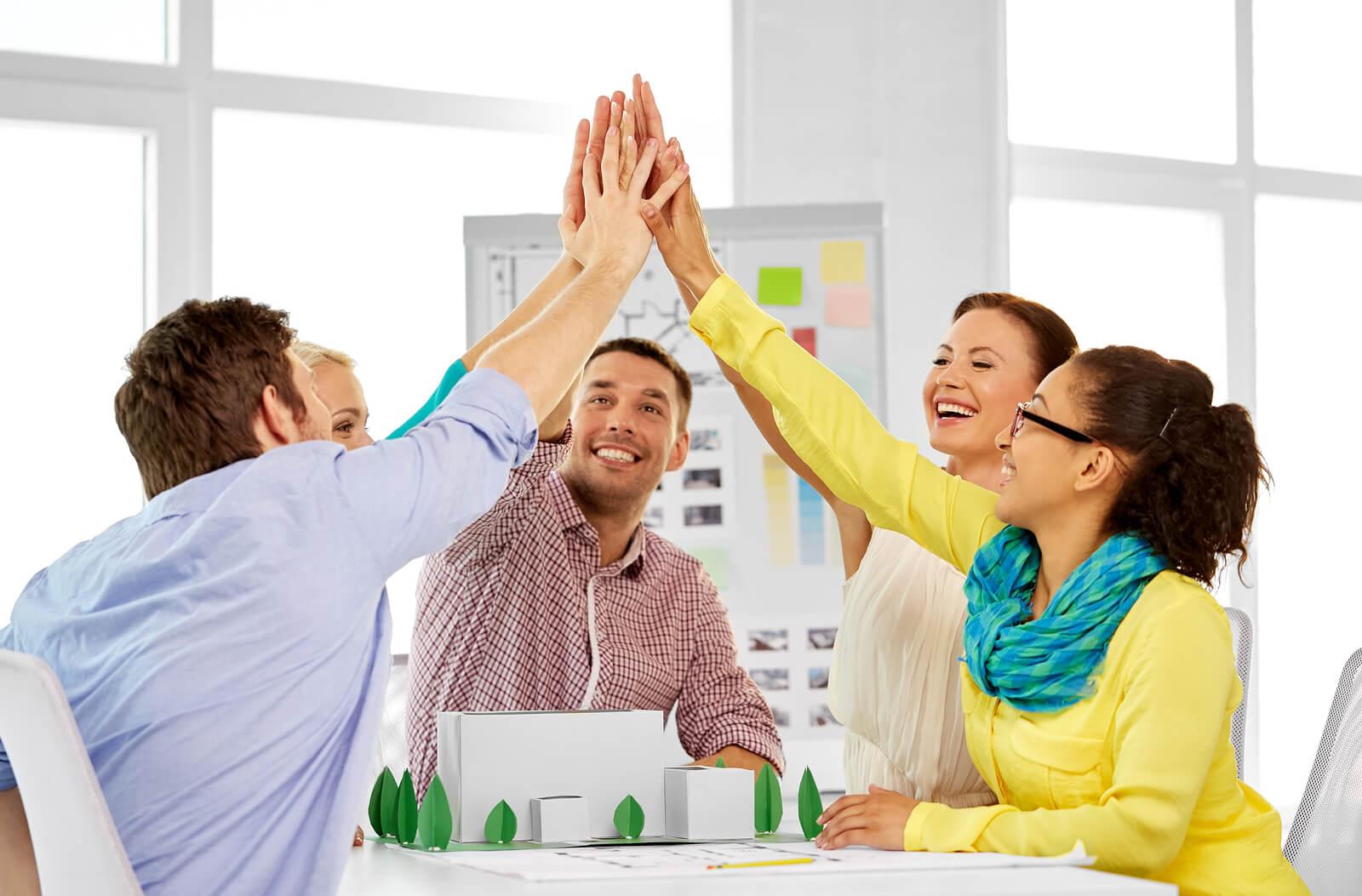 El modelo Tuckman y los equipos de alto rendimiento: liderazgo fase a fase